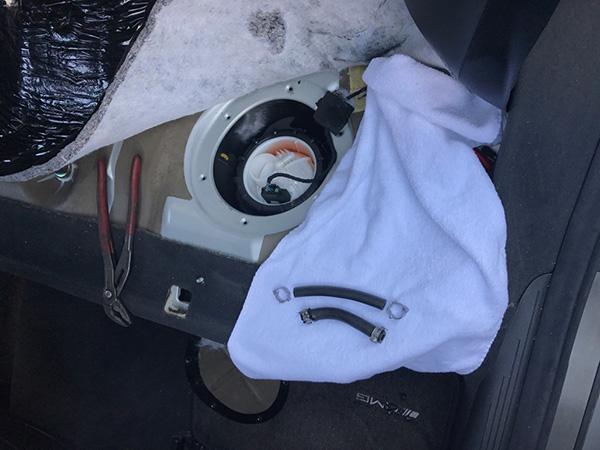 メルセデスベンツ Eクラス W211 E55 AMG 燃料漏れ
