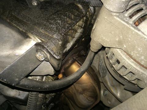 ベンツオイル漏れ故障修理