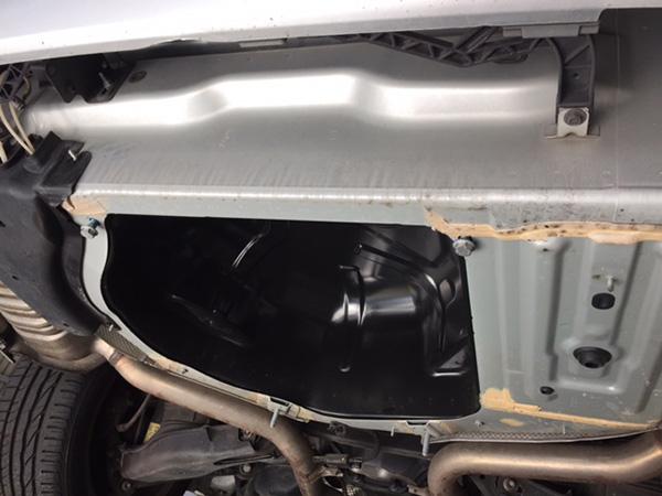メルセデスベンツ W212 Eクラス エンジン警告灯